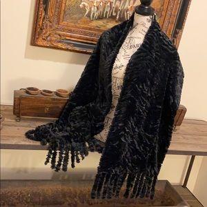Adrienne Landau Faux Fur Cozy Wrap w/ Pockets NEW